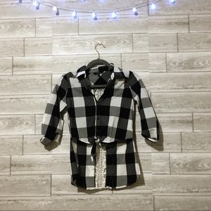 Other - Black and White plaid crop top